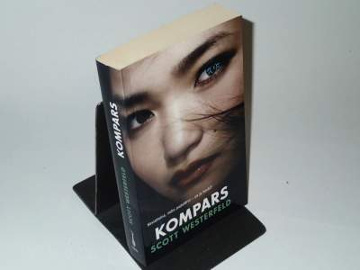 Kompars - Scott Westerfeld
